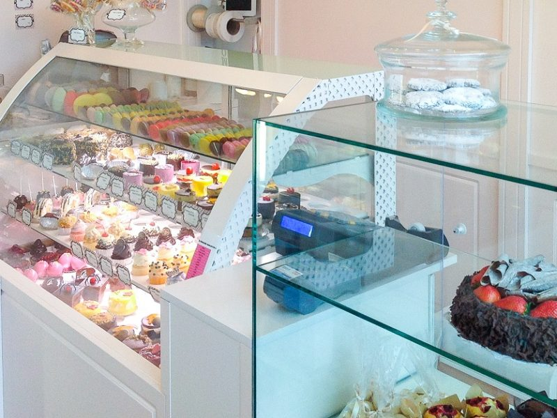 Cafeteria Dorobanți - Mobila pentru magazin - Amenajare și mobilier spații comerciale